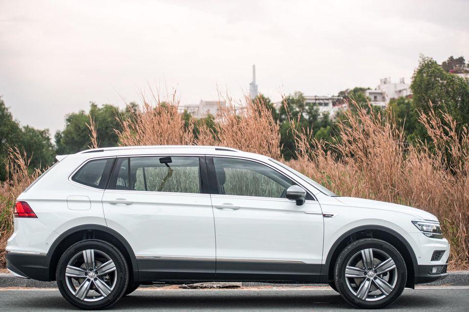 gia-xe-tiguan-luxury-2021